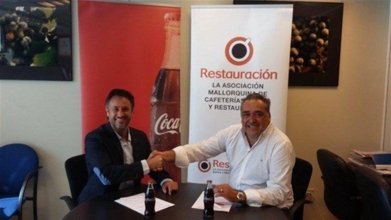 Restauración Mallorca y Coca Cola, firman un convenio de colaboración para formar a los hosteleros de Baleares